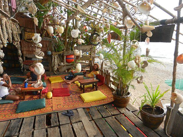 thailand s den 2. Black Bedroom Furniture Sets. Home Design Ideas